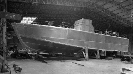 Dark%20Scout%20clearly%20showing%20her%20all%20welded%20aliuminium%20hull